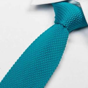cravate tricot bleu turquoise maille cravate italienne